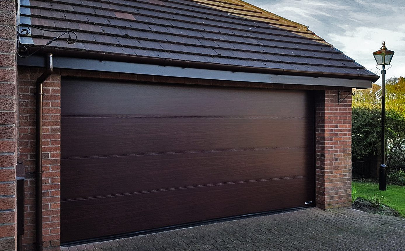 Garage Doors In Lytham St Annes Get A Quote For Any Home Or Budget